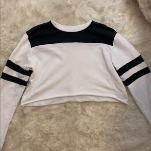 Black and white cropped sweatshirt
